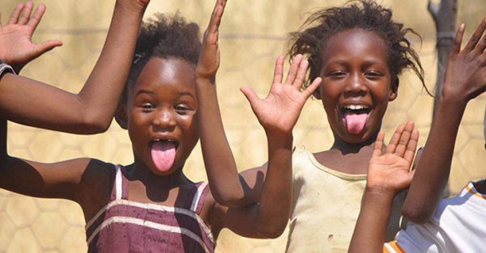Klataske_Ryan_photo1_Namibian-Farm-Worker-Kids-Having-Fun-web600x399